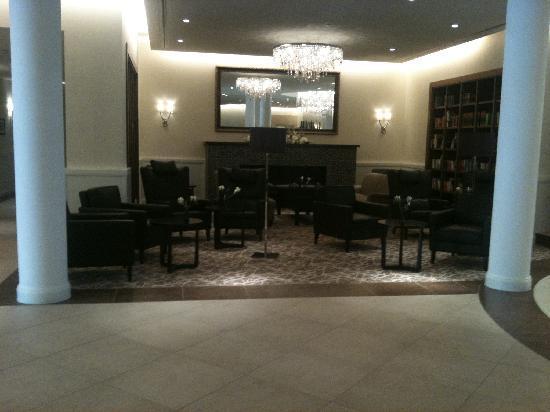 Upstalsboom Hotelresidenz & SPA Kuhlungsborn: ruhiges Plätzchen im Eingangsbereich