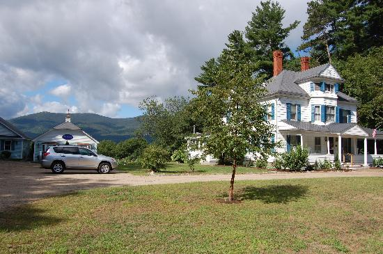 Wyatt House Country Inn: Fantastic views from the back!