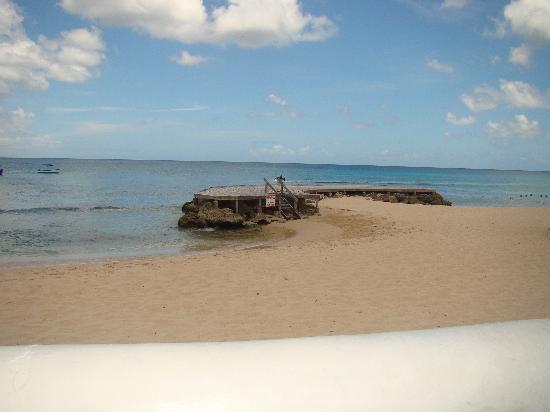 Crystal Cove by Elegant Hotels: Beautiful Beach