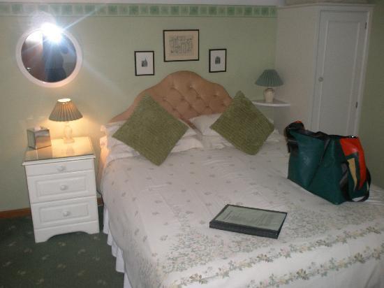 Monk's Barn Farm: Room
