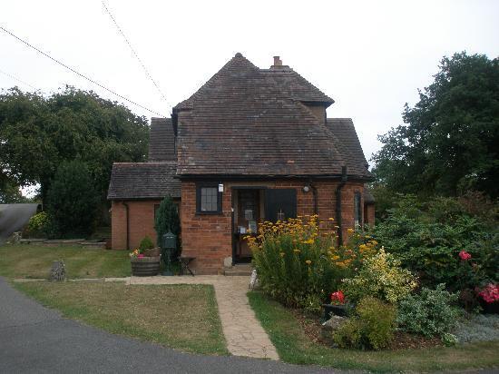 Monk's Barn Farm: B&B House