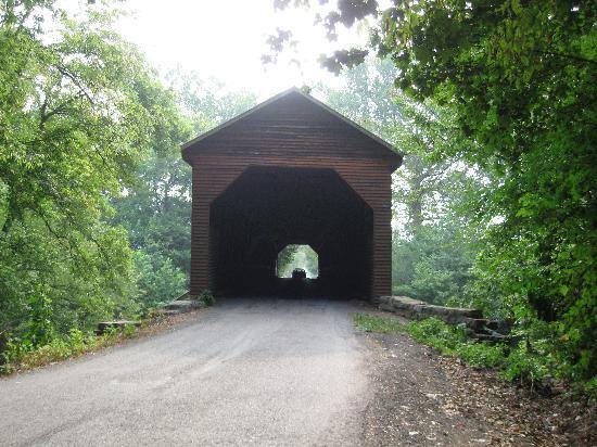 Strathmore House B & B : Weem's Covered Bridge - Entry to B&B