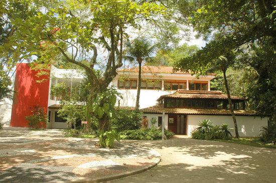 Casa do Pontal Museum