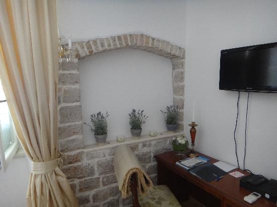 Palace Judita Heritage Hotel: desk area