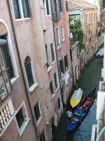 Ca Formosa : View of canal from window