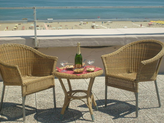 Hotel Bel Air: TERRAZZA FRONTE MARE