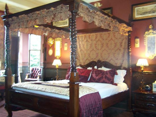 The Retreat Castle Rooms: Four poster rrom