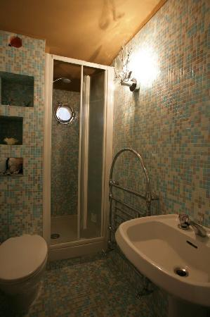 Monica Lercari Rooms: HP5
