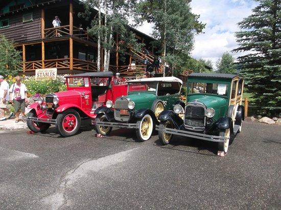 Looking up at Grand Lake Lodge from Parking Lot Display