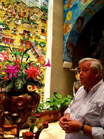 Casa de los Venados : John Venator touring us through his incredible art collection and home.