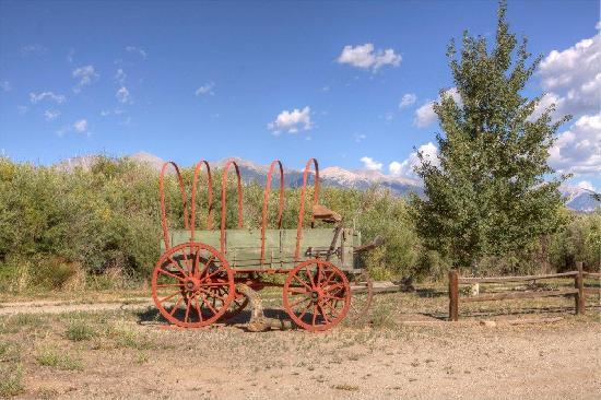 High Rock Ranch: old covered wagon on property
