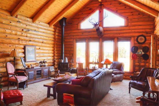 High Rock Ranch: living room