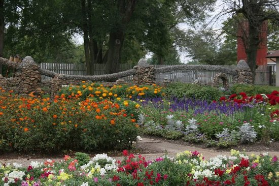 Arcola, IL: Stroll the Garden paths and feel the relaxation settle in!