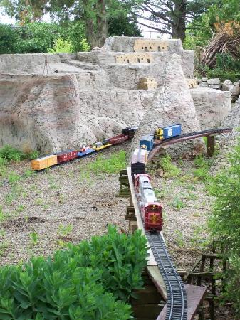 Rockome Gardens : Check out the trains!