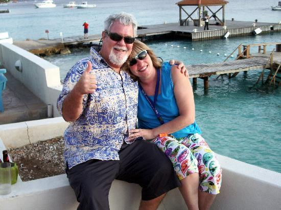 Coral Paradise Resort: Kenny & Margaret Best in Class!