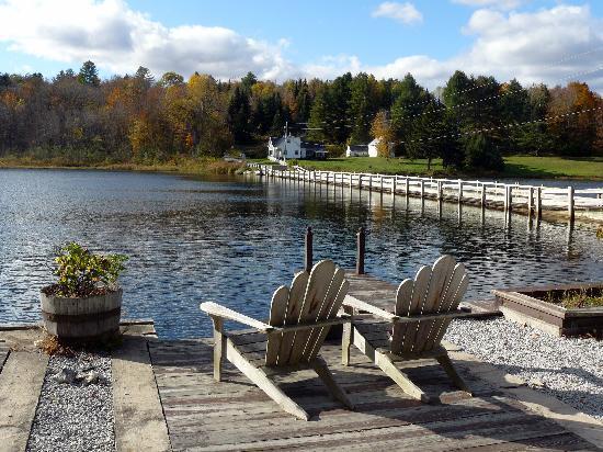 Green Trails Inn: The Lake