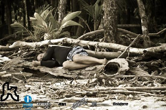 Kalon Surf - Surf Coaching Resort: Resting...
