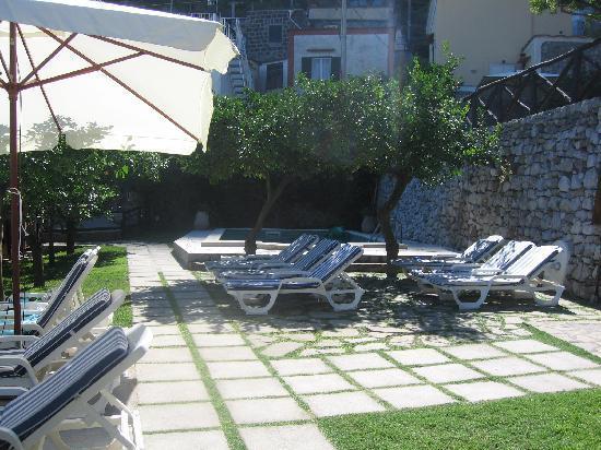 Ristorante Casale Villarena: The pool