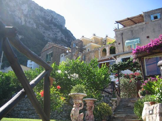 Ristorante Casale Villarena: The terraces