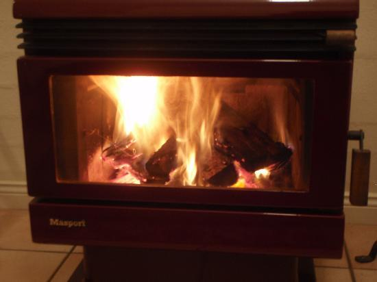 Montville Provencal: Wood burning stove