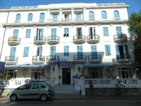 Hotel Alfieri: l'albergo