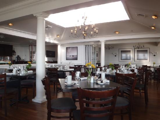 Water Street Restaurant at The Harbor View Hotel : Dining Room