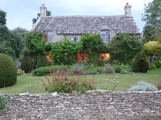 Yew Tree Cottage Bed and Breakfast: Warm and inviting