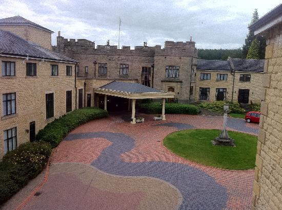 โรงแรมเดอ แวร์ สลาลีย์ ฮอลล์: Courtyard