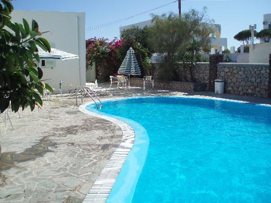 Babis Hotel: Pool