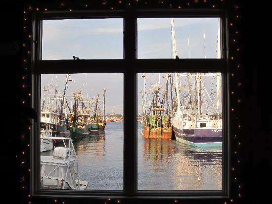 Fairfield Inn & Suites New Bedford: Fishing boats from the Waterfront Grill.
