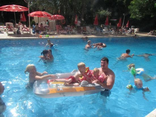 Benilux Park Hotel: hotel benilux pool area