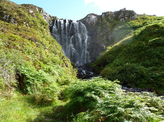 Cruachan Guest House: Falls near Cruachan Lodge