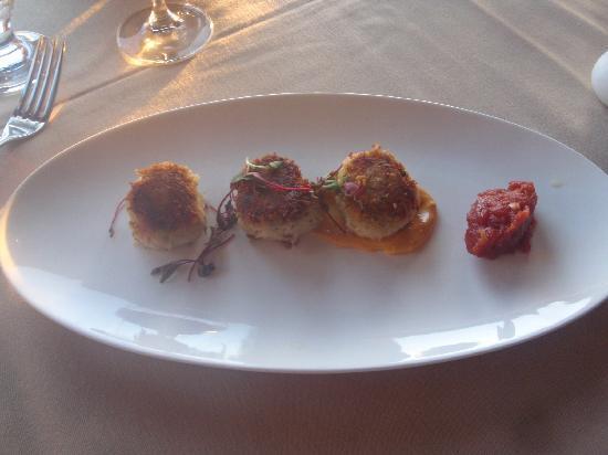 Drakes Sonoma Coast Kitchen: Dungeness Crab Cakes