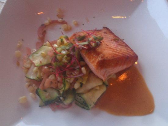 Drakes Sonoma Coast Kitchen: King Salmon