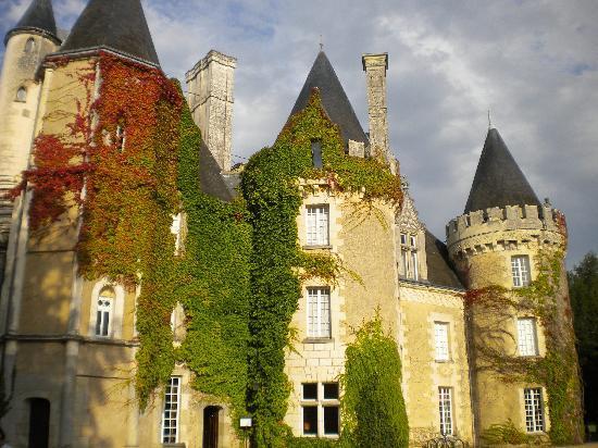 Château Golf des Sept Tours: Coté piscine