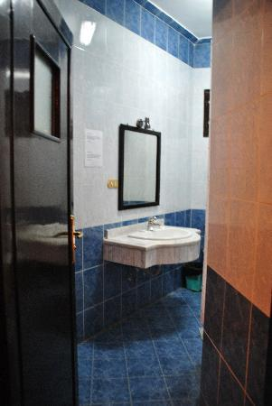 El Nakhil Hotel & Restaurant : Bathroom