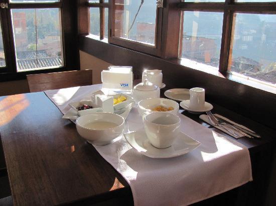 Mirador de Santa Ana: breakfast