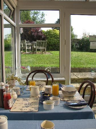Foxhill B&B: Breakfast in the conservatory