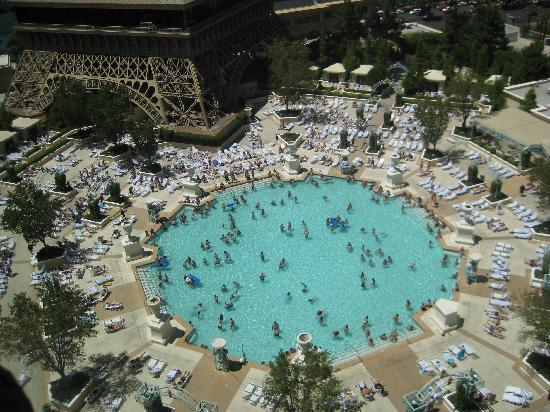 View of the pool picture of paris las vegas las vegas for Paris hotel pool