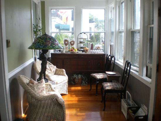 John Randall House: Breakfast area...