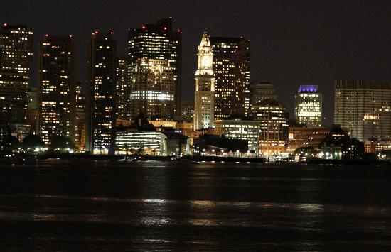 Harborside Grill: Amazing View! So So Pictures. :(