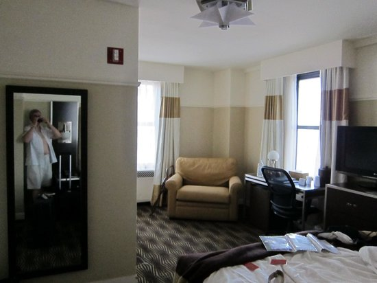 The New Yorker A Wyndham Hotel: Room