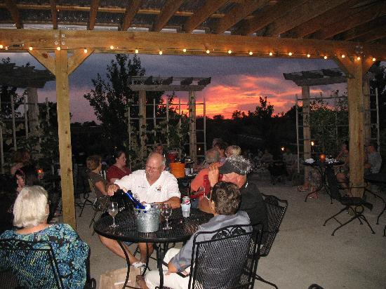 Fireside Winery: Sunset Pour