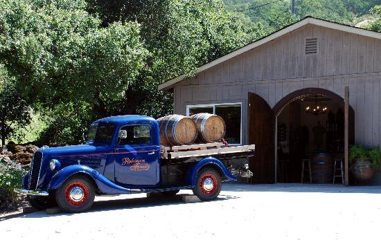 Holme Grown Tours : Robinson Family Vineyards in Napa
