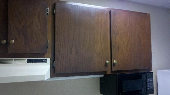 Surf Inn Suites: kitchen 2