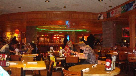 Ribbs bbq y bistec picture of applebee 39 s new york city for 77 salon portland