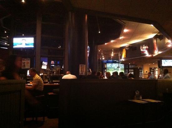 Field House Bar & Grill: the bar