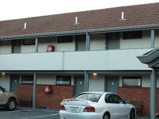 ASURE 83 By The Sea Petone: Parking
