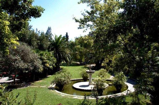 Relais Paradosso: Parco interno