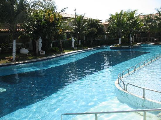 Atlantico Buzios Hotel: outra vista da piscina